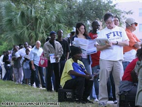 Long lines greeted early voters in Miami, Florida, last Thursday.