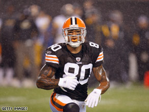 Kellen Winslow recently had a second staph infection and has accused his team of covering it up.