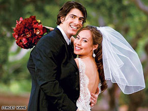Brandon Routh popped the question to Courtney Ford while on a picnic.
