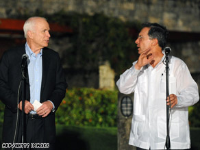 Sen. John McCain and Colombian President Alvaro Uribe hold a joint press conference in Cartagena.