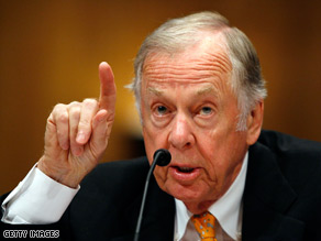 T. Boone Pickens testifies before a Senate committee Tuesday about his energy plan.