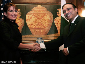 Vice presidential candidate Sarah Palin meets Pakistani President Asif Ali Zardari in New York on Wednesday.