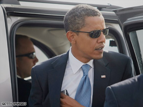 Sen. Barack Obama will take a break from campaigning so he can visit his ailing grandmother.