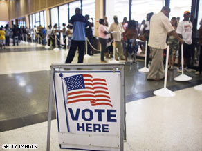Voters line up Monday in Fort Lauderdale, Florida, to cast their ballots early.