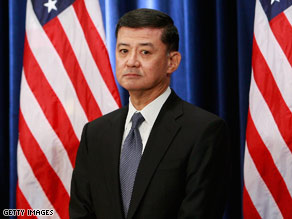 "Retired Gen. Eric Shinseki Sunday promised to work for veterans ""each and every day."""