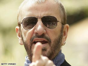 Former Beatle Ringo Starr says he has had enough of signing fan mail and memorabilia.
