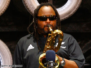 LeRoi Moore, a founding member of the Dave Matthews Band, died Tuesday.