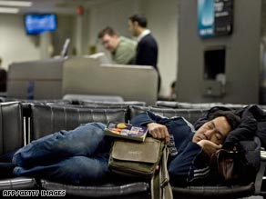 Jet lag causes both sleepiness and insomnia in long-distance travelers