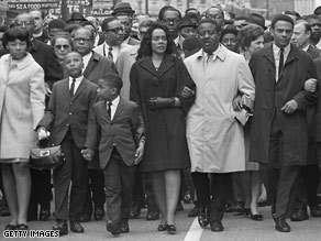 George Wallace, third from left, favored segregation, but his daughter says he loved black people.