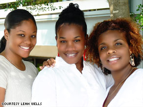 Leah Wells, center, says she and Rosalyn Wilson, left, and EvaJoyce Woullard were unjustly detained for shoplifting.