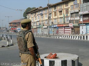 There have been regular clashes between Kashmiri people and Indian troops recently.