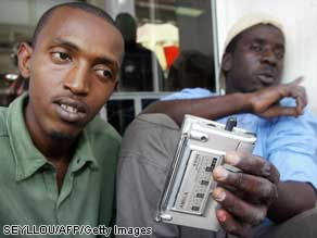 During the 2006 local government elections in Senegal, Radio Sud used reporters and correspondents with cell phones to call in what they saw.