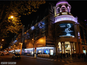 Paris's Printemps department store, which has been hit by a security alert, pictured last month.