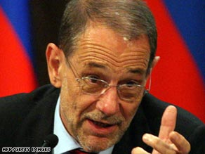 EU foreign policy chief Javier Solana is to discuss a package of incentives with Iran.
