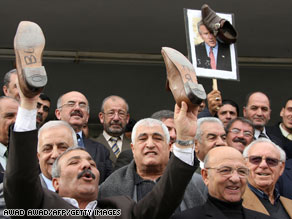 Amman protesters support Muntazer al-Zaidi, the Iraqi journalist held for throwing his shoes at President Bush.