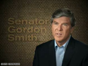 A new ad from Gordon Smith's campaign stresses his work with Barack Obama.