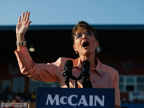 Palin is praising Clinton on the trail as the GOP woos the New York senator's supporters.