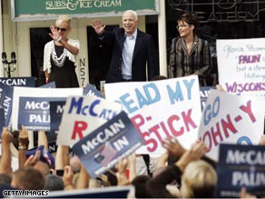Sen. McCain and Gov. Palin were joined by Mrs. McCain at a campaign stop in Wisconsin.