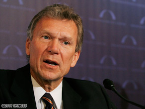Sources tell CNN Tom Daschle is Obama's choice for Secretary of Health and Human Services.