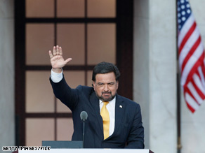 After dropping out of the presidential race, New Mexico Gov. Bill Richardson, who had worked in Bill Clinton's administration, endorsed Barack Obama.