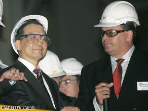 Chinese Premier Wen Jiabao on a 2006 tour of a Rio Tinto plant in Western Australia.