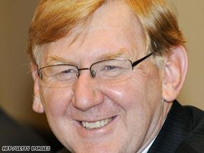 Martin Ferguson, Australia energy minister, was in Beijing to sign the deal.