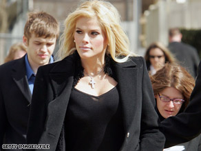 Prosecutors in Florida are reviewing evidence gathered in California for a probe into Anna Nicole Smith's death.
