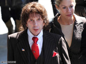Phil Spector's retrial in the 2003 slaying of actress Lana Clarkson is in the hands of the jury.