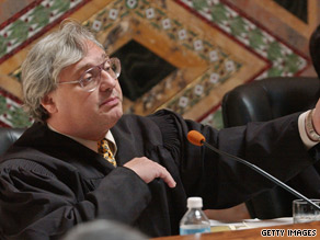 The panel chose not to discipline Judge Alex Kozinski beyond the admonishment.