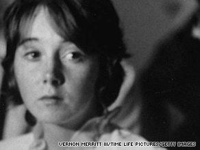 """Lynnette """"Squeaky"""" Fromme appears in court in Los Angeles, California, in December 1969."""
