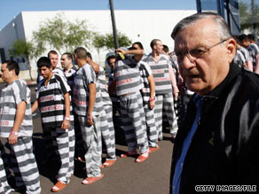 Maricopa County Sheriff Joe Arpaio supervises an inmate relocation in Phoenix, Arizona.
