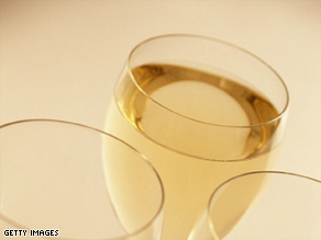 A new study shows that white wine has an acid content that could increase dark dental stains.