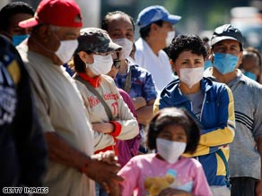 News about the pandemic sent people to line up at a mobile health clinic in Mexico City.