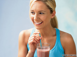 A smoothie with milk and yoghurt provides both protein and carbohydrates.
