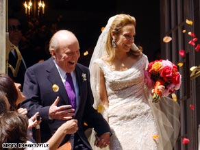 Suzy Welch, right, developed a decision-making process before marrying former GE CEO Jack Welch.