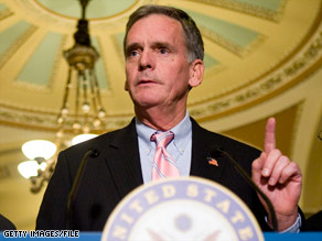 Sen. Judd Gregg is the leading candidate for commerce secretary, an Obama administration official said.