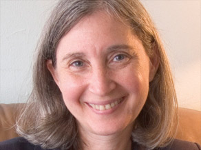Nell Minow says AIG's board must be held accountable for the $160 million in bonus payments.
