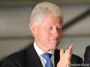 To the elation of their families, Bill Clinton returned to the U.S. with journalists Laura Ling and Euna Lee.