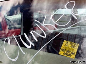 President Obama signs the $2 billion extension of the Cash for Clunkers program OK'd by Congress this week.