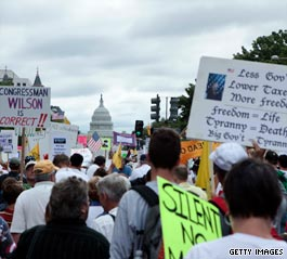Tea party demonstrators gather at U.S. Capitol