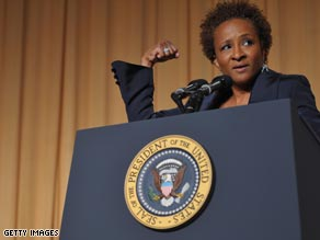 Wanda Sykes speaks at the White House Correspondents Dinner.