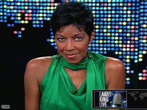Singer Natalie Cole continues to tour, despite being on dialysis three times a week.