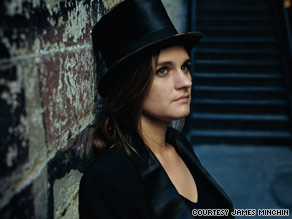 "Madeleine Peyroux takes a clear-eyed look at her life and relationships on ""Bare Bones."""