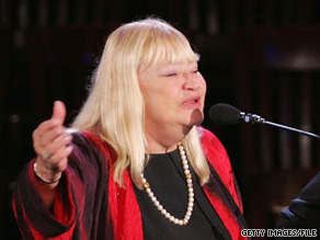 Mary Travers performs at the 2004 Democratic Convention in Boston, Massachusetts.