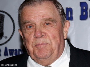 Pat Hingle was a familiar face to moviegoers and TV watchers for his many roles.