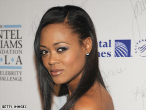 Robin Givens told Joy Behar Tuesday night that details of domestic abuse are often the same.
