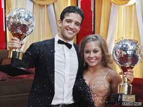 "Shawn Johnson and Mark Ballas find out the results on last season's finale of ""Dancing With the Stars."""