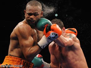 Undefeated Joe Calzaghe says his victory over Roy Jones Jnr was his last fight.