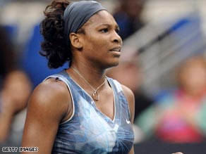 Williams had no problems in justifying her top seed status in the first round of the Paris Indoor Open.