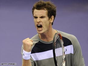 An out-of-sorts Murray was macde to battle before reaching the last eight in Rotterdam.